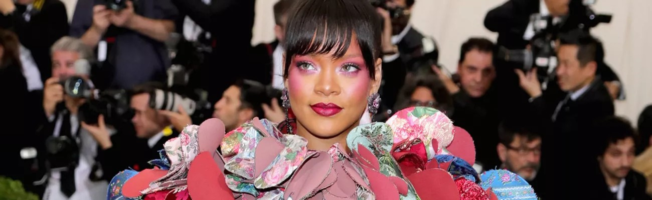 Emmanuel Macron will meet Rihanna to discuss education funding