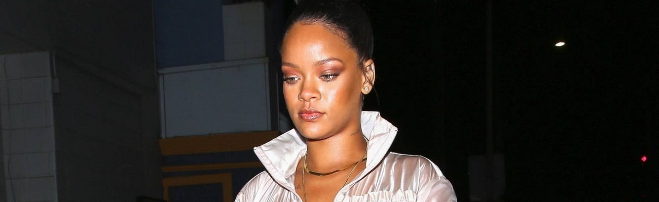 Rihanna steps out in Los Angeles