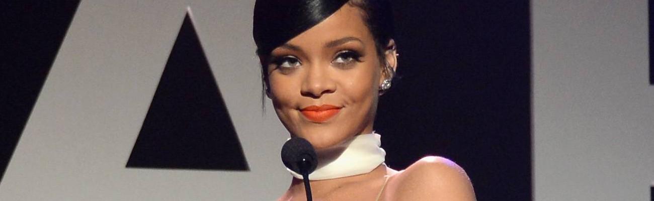 VIDEO: Rihanna honors Tom Ford at the amfAR Inspiration Gala