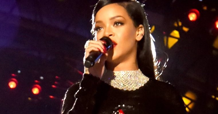 PHOTOS: Rihanna performs at The Concert for Valor