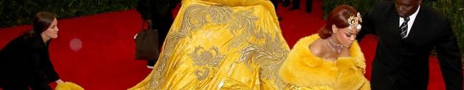 Jimmy Kimmel presents: Rihanket: The Rihanna Dress Blanket