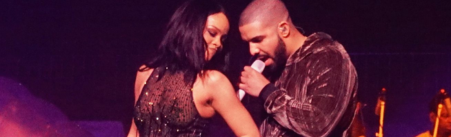 Professional video of Rihanna performing with Drake in Miami