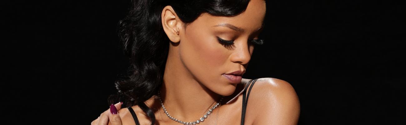 "Adam Lambert praises Rihanna's concert: ""I was floored"""