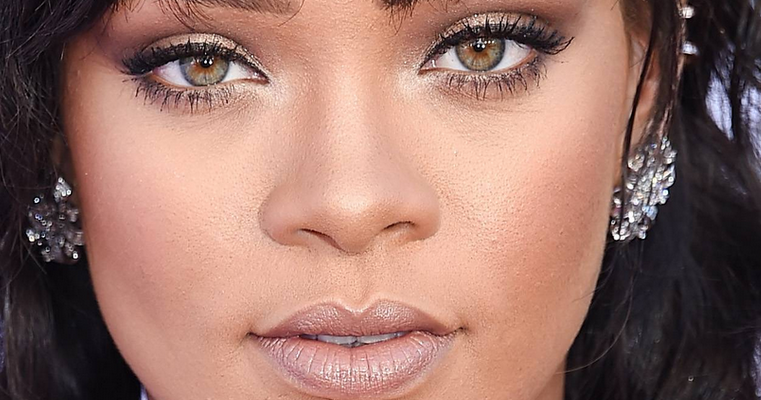 Rihanna scores two Billboard Music Awards nominations