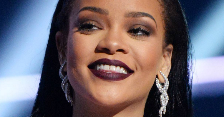 Rihanna rocks MTV Video Music Awards