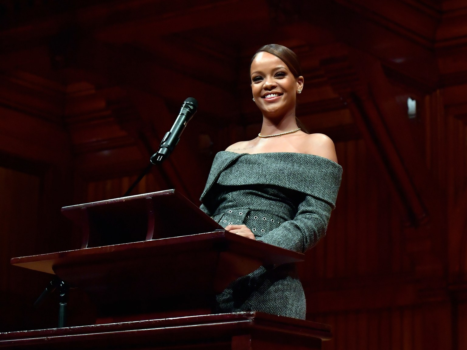 Rihanna receives Harvard Humanitarian of the Year award 2017