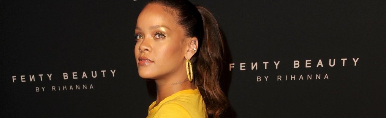 """Rihanna admits """"it breaks her heart"""" to see Irma destroy islands she loves"""