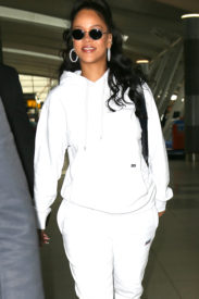 Rihanna at JFK Airport in New York on October 13, 2017 rihanna-fenty.com