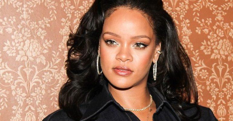 Rihanna at Vogue Forces of Fashion Conference on October 12, 2017 rihanna-fenty.com