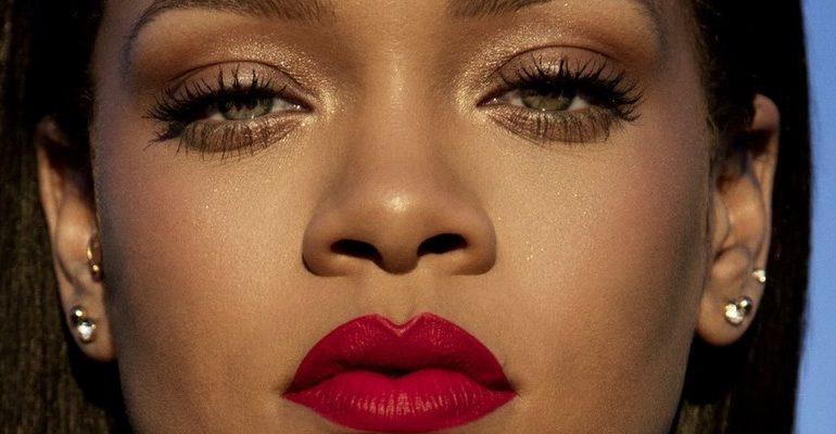 Rihanna wins the Internet with her Stunna Lip Paint tutorial