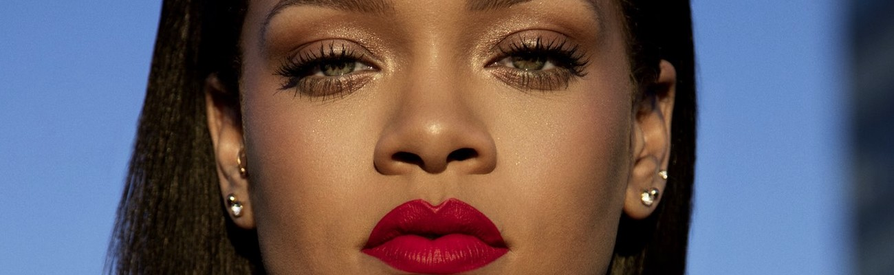 Rihanna shares her Stunna Lip Paint tutorial