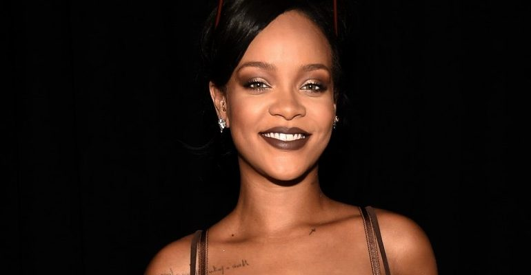 Rihanna to release new shades of Stunna Lip Paint