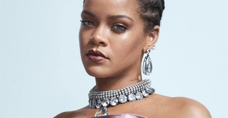 Phenomenal Rihanna covers Vogue Australia