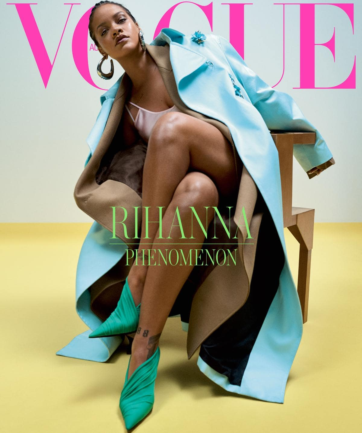 Phenomenal Rihanna covers Vogue Australia: cover