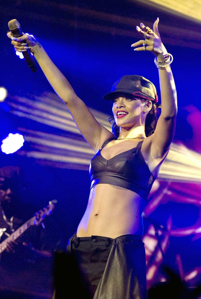 Rihanna performs at El Plaza Condesa in Mexico City 2012